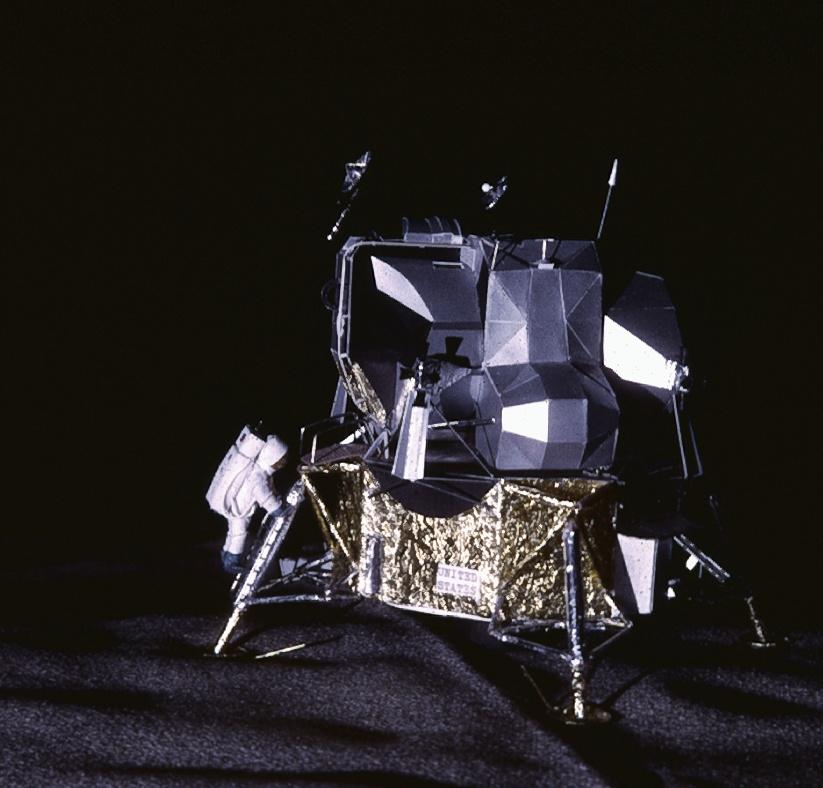 Vos collections de maquettes sur le spatial Lm125811