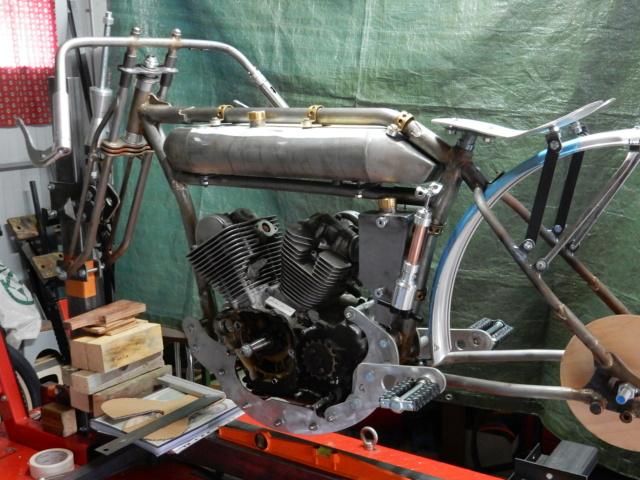 Boardtrack racer projet Philgold - Page 5 Dscn8414