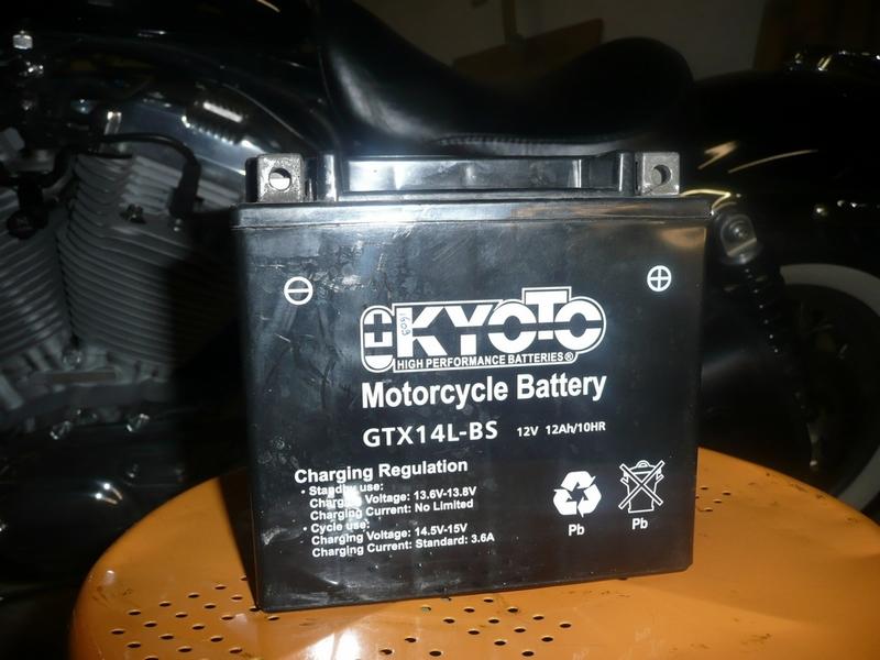 Batterie à Plat sur mon 883 - Page 3 Batter11