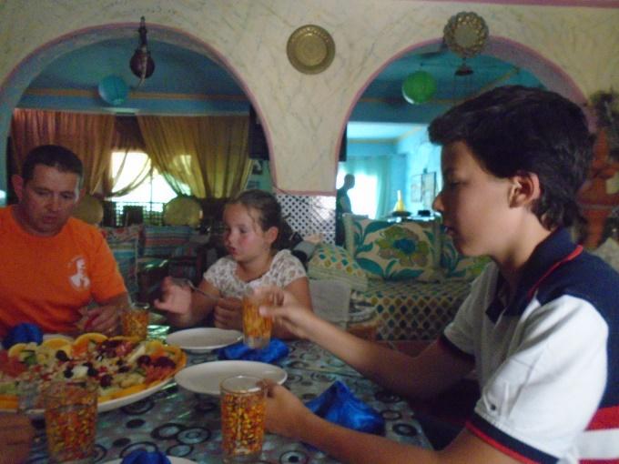 06/08 - marche sportive :  à l'ombre des cocotiers ! 910