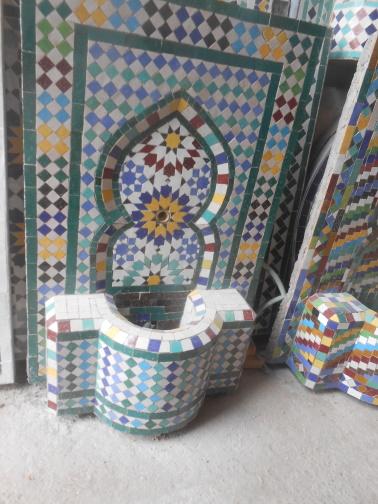 Des Artistes en nos « murs »:  Ahmed Lamghari & Mohamed Fariss  Maîtres artisans du zellige Dscn1021