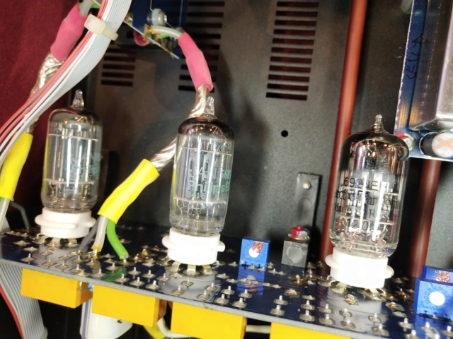 Manley Steelhead RC - Phono Tube Pre-Amp (Sold) Img_2231