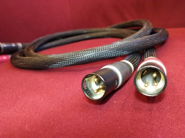 Purist Audio Design - Aqueous Aureus - XLR Interconnect 1.5m (Used) Img_2323