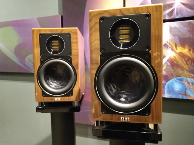 ELAC - BS403 - Bookshelf Speaker (USED) Img_2392