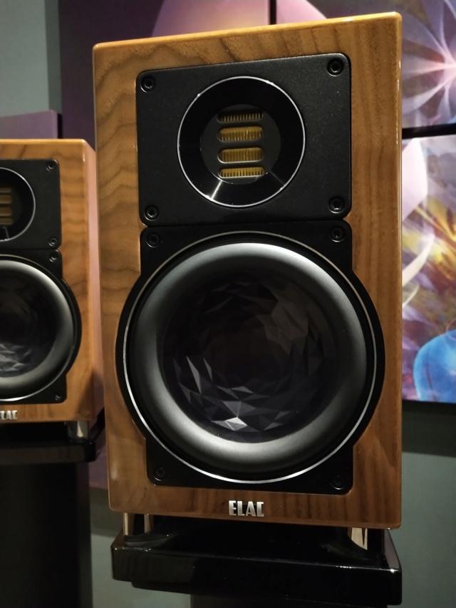 ELAC - BS403 - Bookshelf Speaker (USED) Img_2393