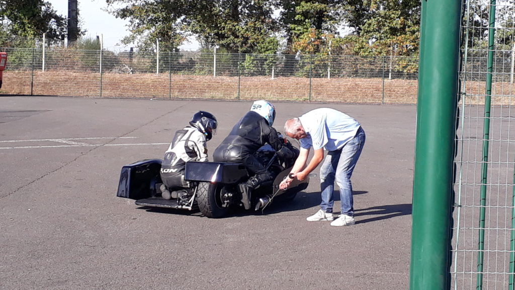 WE side car au circuit du VIGEANT  20181081