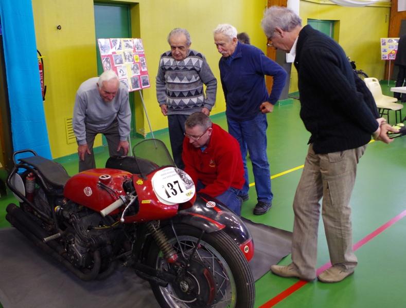 [SORTIE] Amicale - des anciens – coureurs - motocycliste Imgp0413