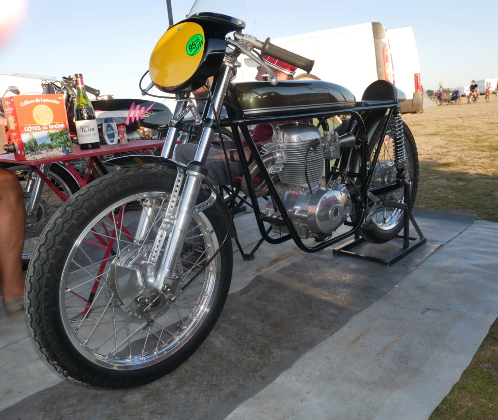 6ème Trackday Moto Morini Passion - Page 2 P1040611