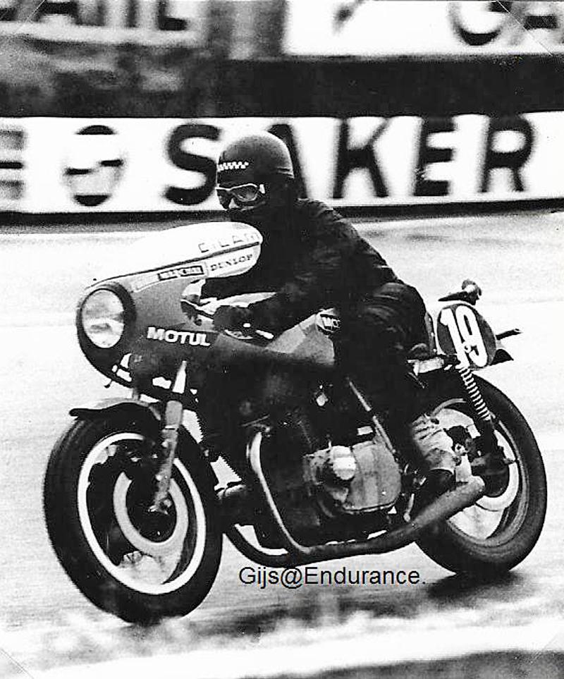 [SORTIE] Amicale - des anciens – coureurs - motocycliste - Page 2 Rouge_10