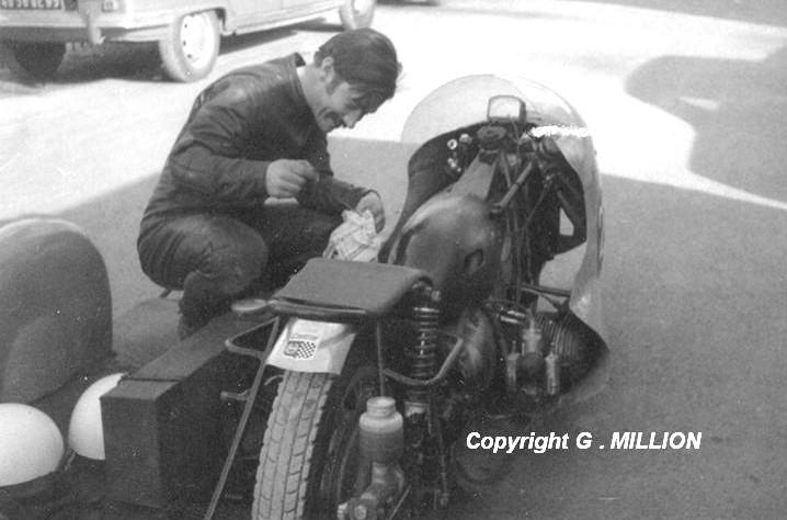 [SORTIE] Amicale - des anciens – coureurs - motocycliste - Page 2 Simon_10
