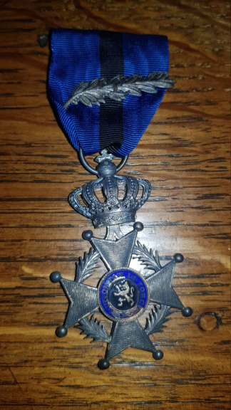3 médailles belge retrouvée chez ma grand-mère  20190912