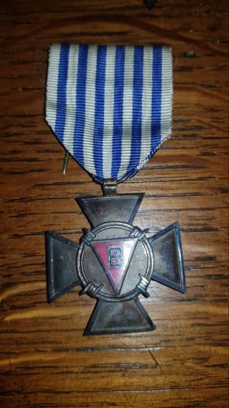 3 médailles belge retrouvée chez ma grand-mère  20190914