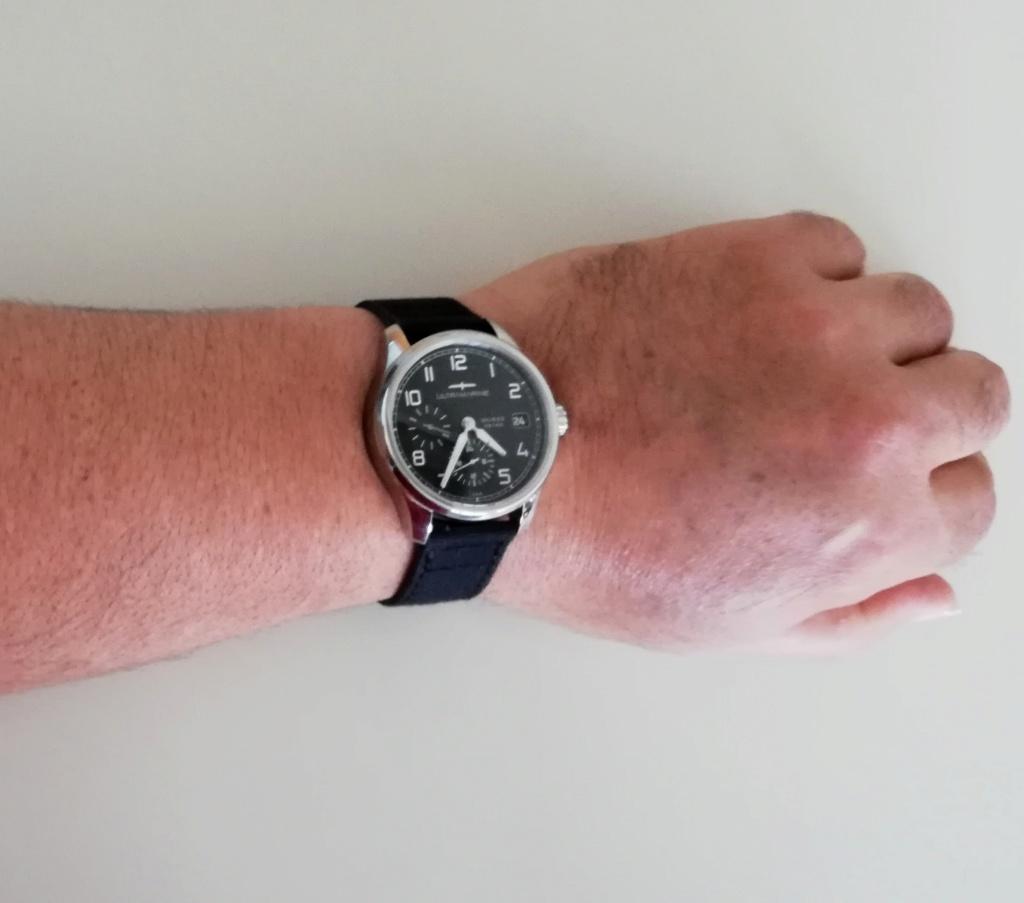ULTRAMARINE Morse 9141B - Conçue pour ceux qui aiment les vraies montres - Page 9 Img_2099