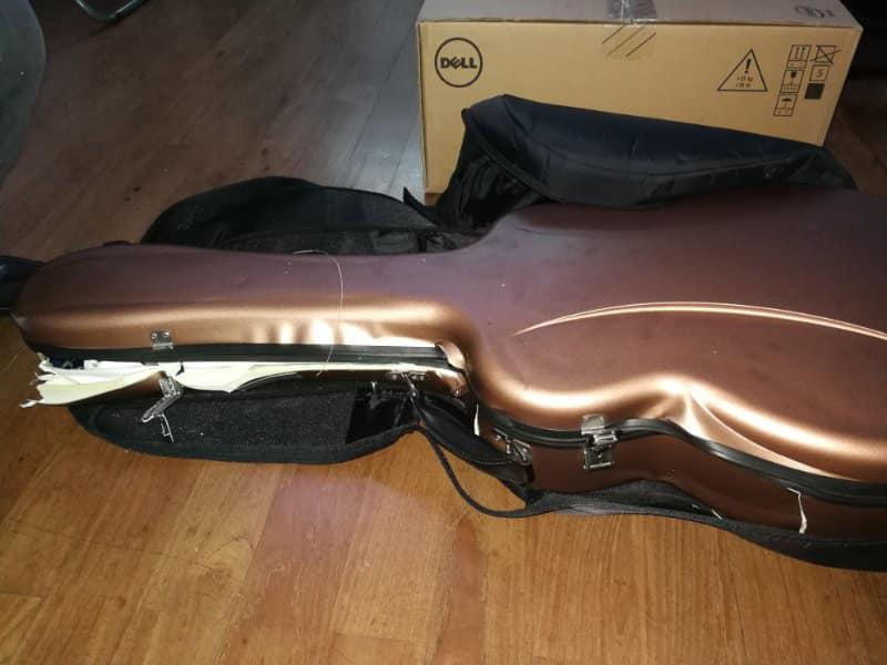 Les douanes chinoises et les guitares, ne font pas bon ménage 51952910