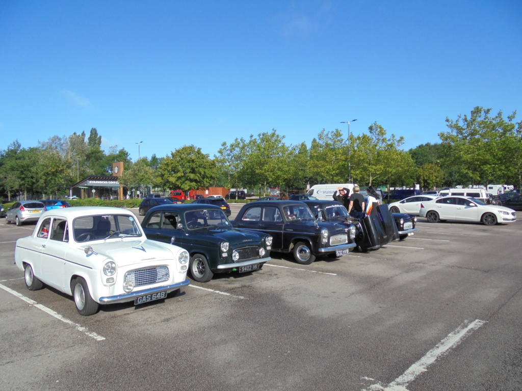 South Mimms services before the Jacks Hill convoy. Dsc00214