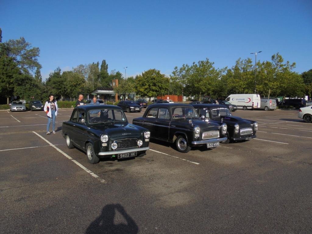 South Mimms services before the Jacks Hill convoy. Dsc00216