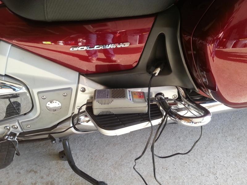 [résolu]Comment charger la batterie sur la nouvelle GOLD ? 2014-010