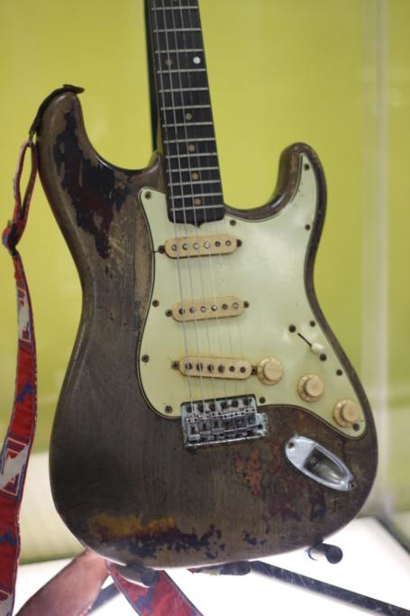 Photos de la collection de guitares - Page 3 Img_9424