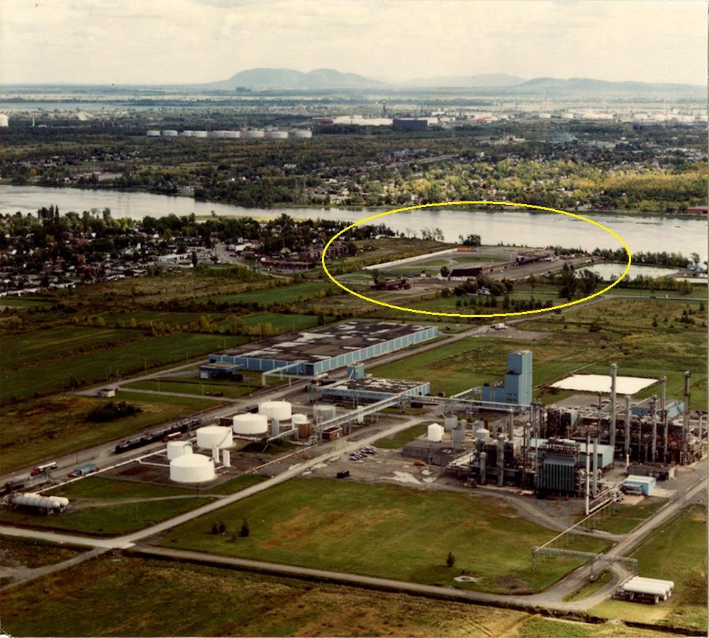 Une très rare photo aérienne du Riverside Speedway de St-Francois, Laval. C1-d3-10