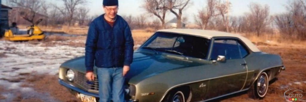 il bichonne depuis 51 ans maintenant, la même voiture (Camaro 69). Cam110