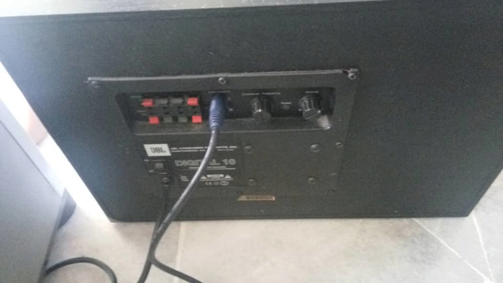 JBL subwoofer digital 10 (used)(Sold) Whatsa11