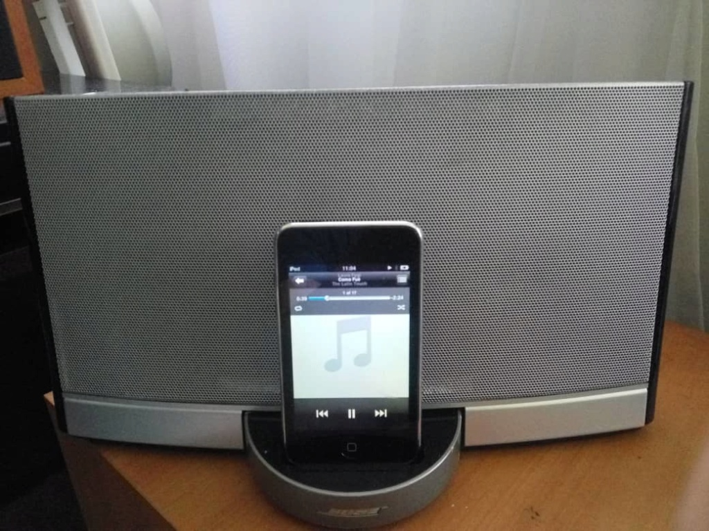 Bose sound dock  Whatsa21