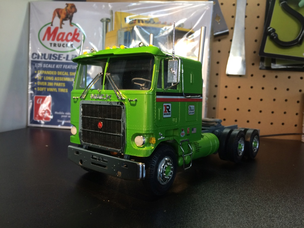 Mack Cruise Liner Cabover 1/25 Img_0517
