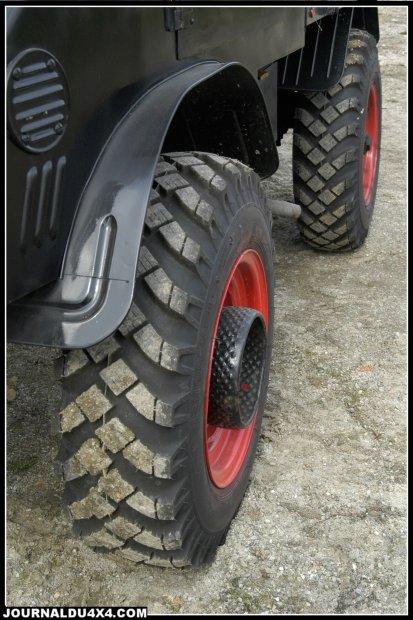Quel sens de rotation pour les pneus du 411 3d10