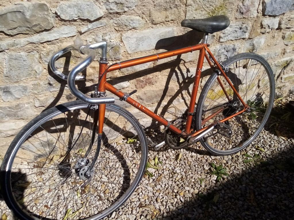 Vélo course de la marque RIVIERA Img_2012