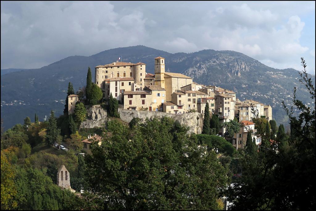 Le village perché Le_vil12