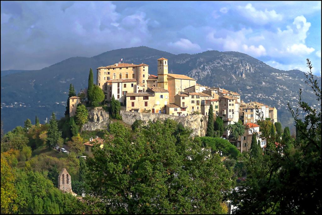 Le village perché Le_vil13