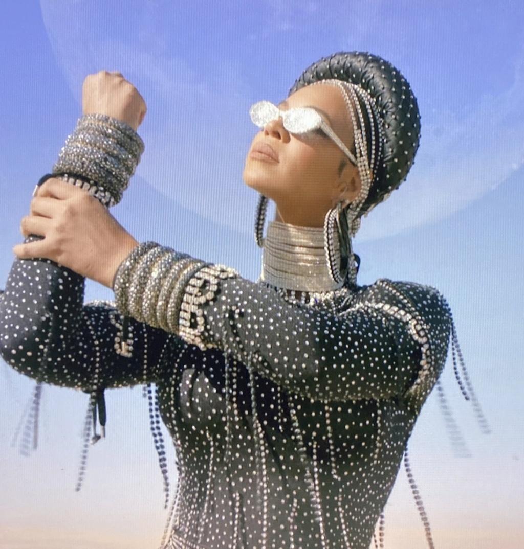 "Beyoncé >> Visual album ""Black Is King"" - Página 4 Img_2362"