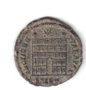 AE3 de Constantino I. PROVIDEN-TIAE AVGG. Puerta de campamento de dos torres. Nicomedia. Constr10