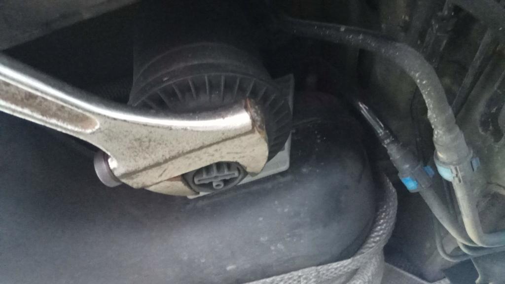(Brico J) Cambio de filtro combustible (diesel) en astra J A17DTS Img_2034
