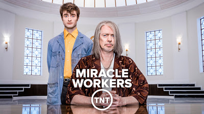 Miracle Workers | S01 | 07/07 | Lat-Ing | 720p | x265 Miracl10