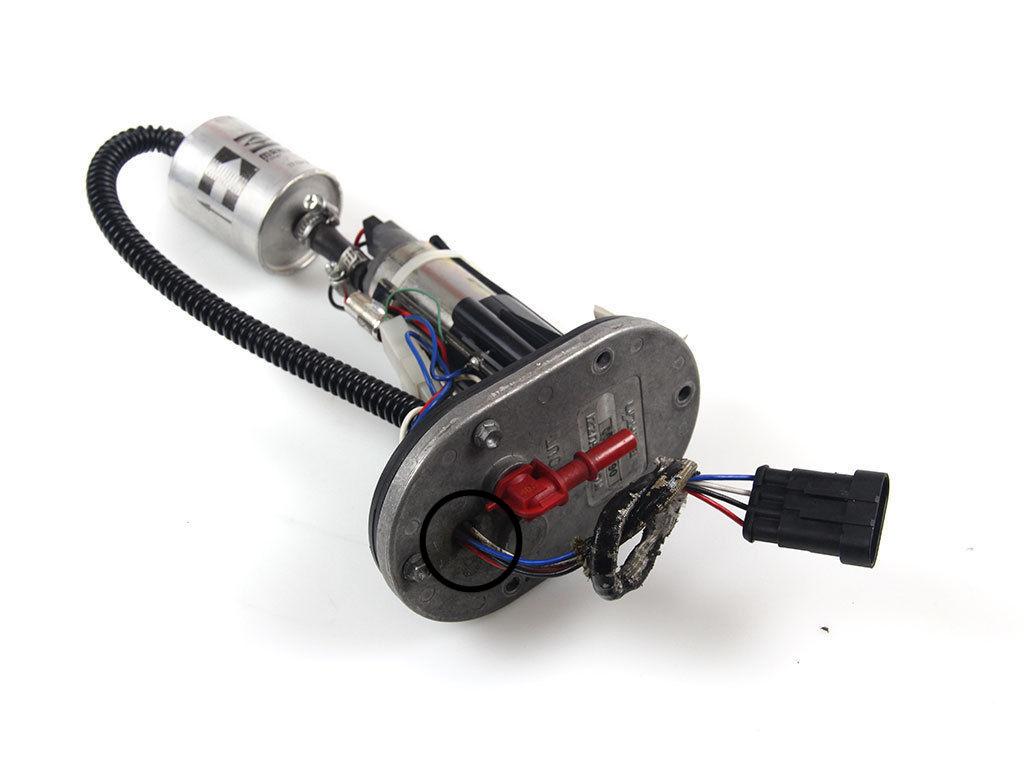 Fuel leak from fuel pump S-l16010