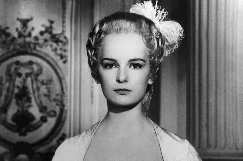 Madame Du Barry au cinéma - Page 3 Zvale11