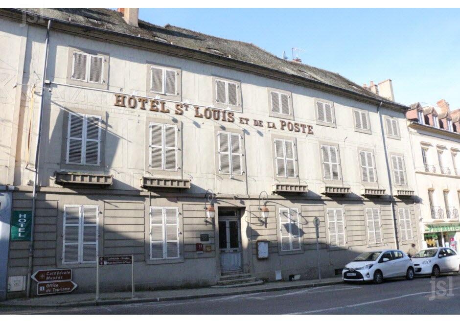 L'hôtel Saint-Louis aux enchères publiques L-hote10