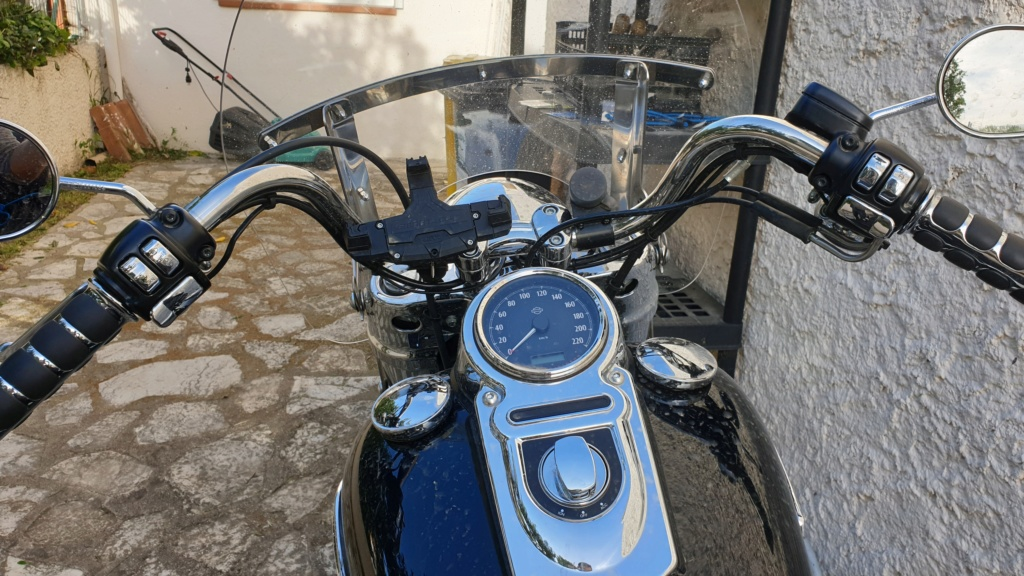 Dyna SWITCHBACK combien sommes nous sur Passion-Harley - Page 21 20190439