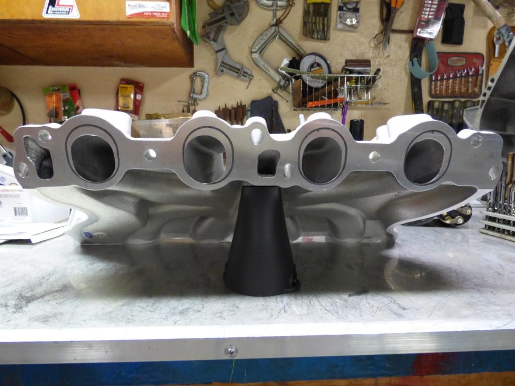 Edelbrock Pro-Flo 4 EFI #35680 for Ford 429/460 Big-Block Engines P1040715