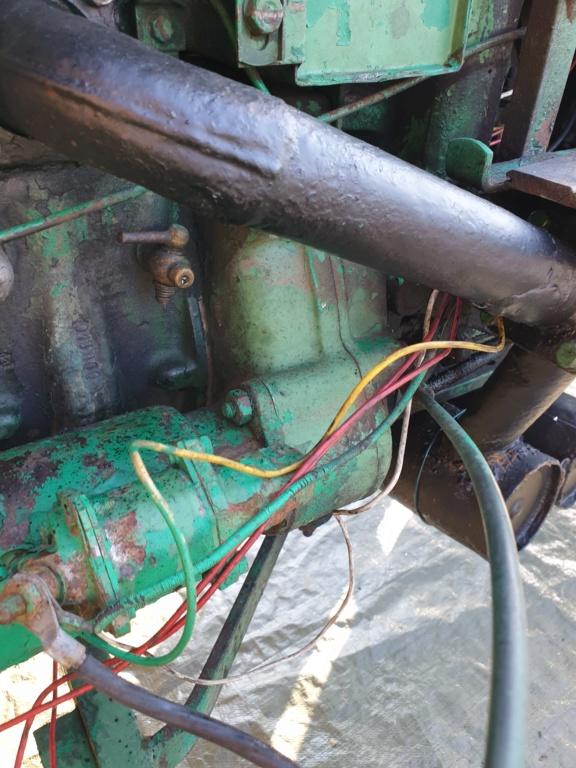 TRACTEUR - tracteur holder B10 changement courroie dynamo 20200618