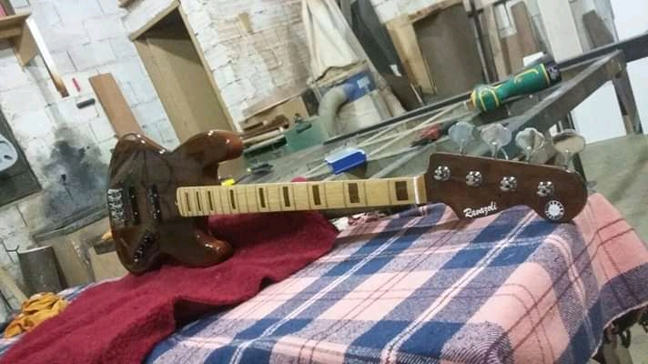 Ravazoli Luthier Fb_img14
