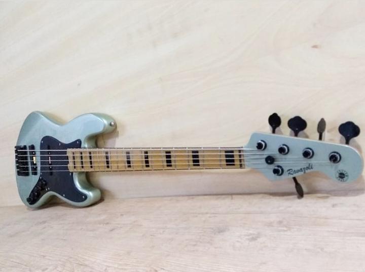 Ravazoli Luthier Img-2036