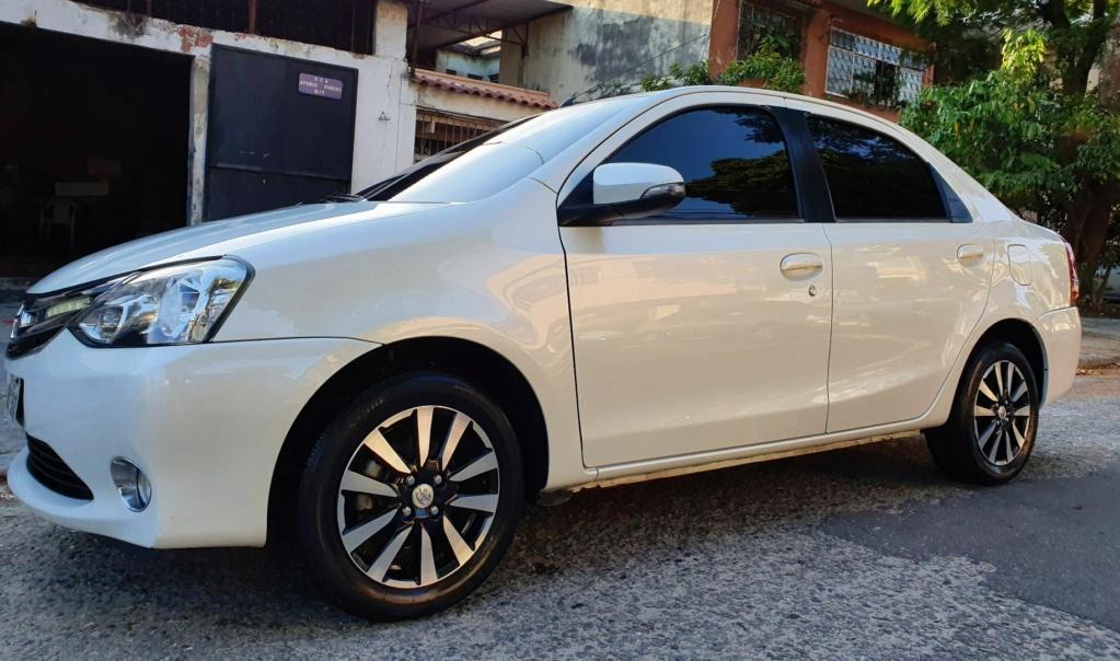 Vendo Etios Platinum Sedan 15/15 73b72a11
