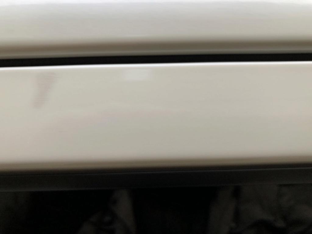 Macchie su vecchia 070 Pearl White Img_2913