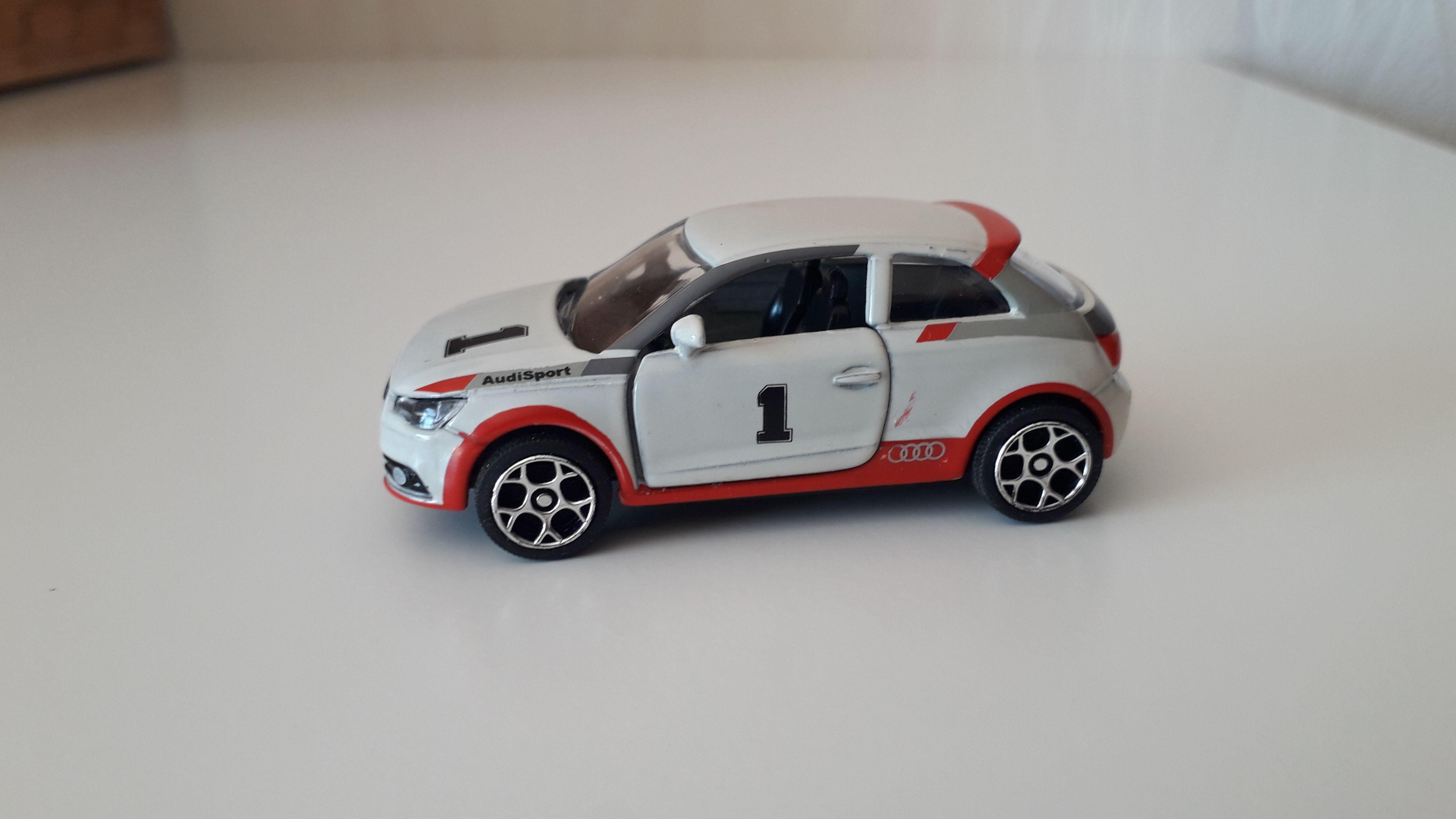 ma petite collection de majorette - Page 10 Audi_a12