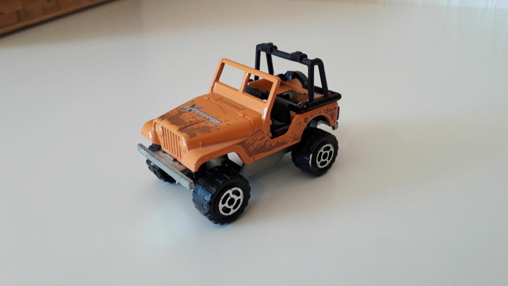 ma petite collection de majorette - Page 3 Jeep_c18