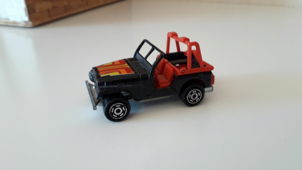 ma petite collection de majorette - Page 5 Jeep_c26