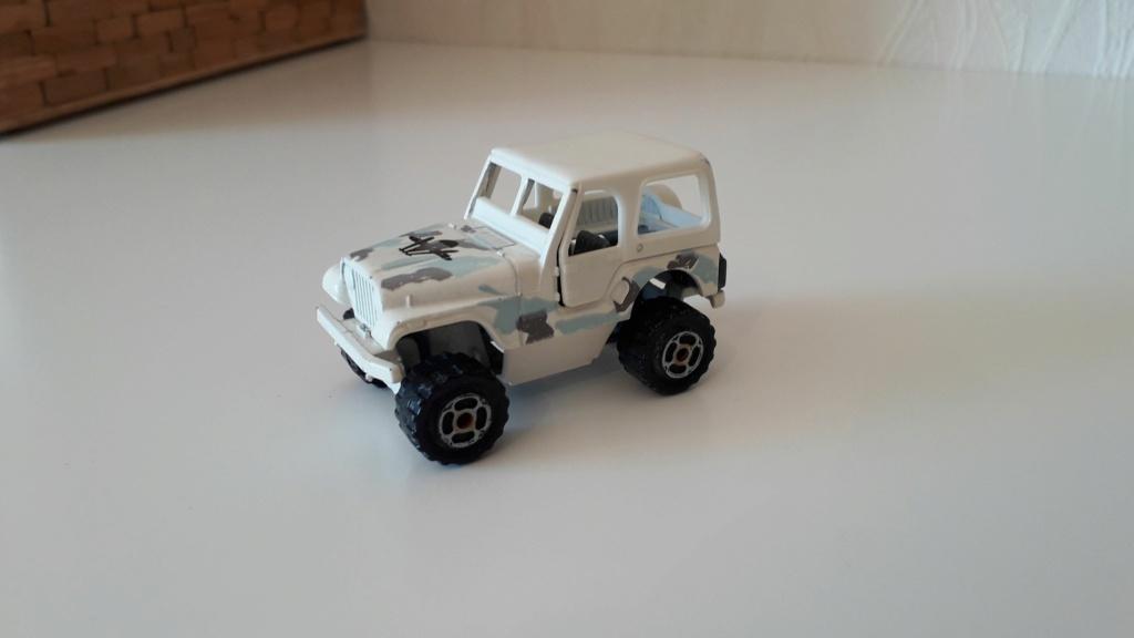ma petite collection de majorette - Page 5 Jeep_c31