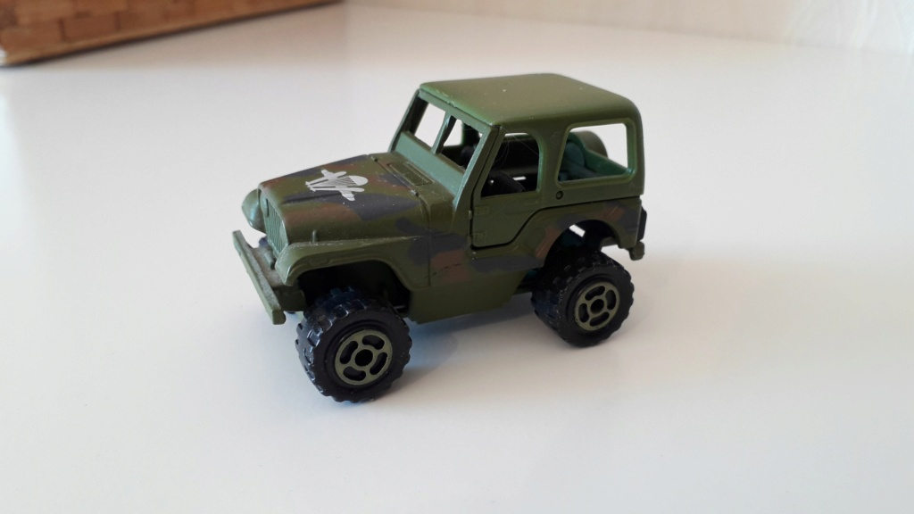 ma petite collection de majorette - Page 5 Jeep_c33